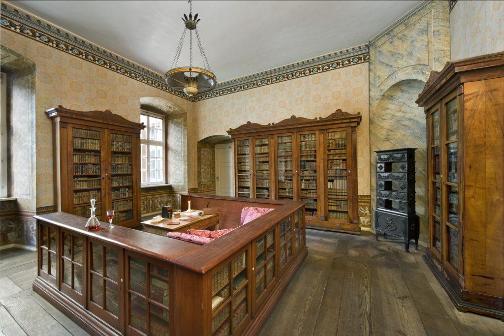 Bibliothek (03)